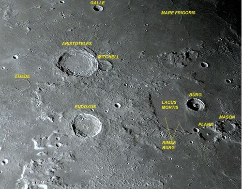 O belo par de crateras ARISTOTELES e EUDOXUS